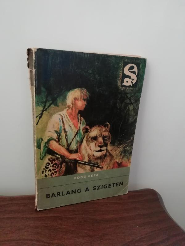 Bodó Géza: Barlang a szigeten