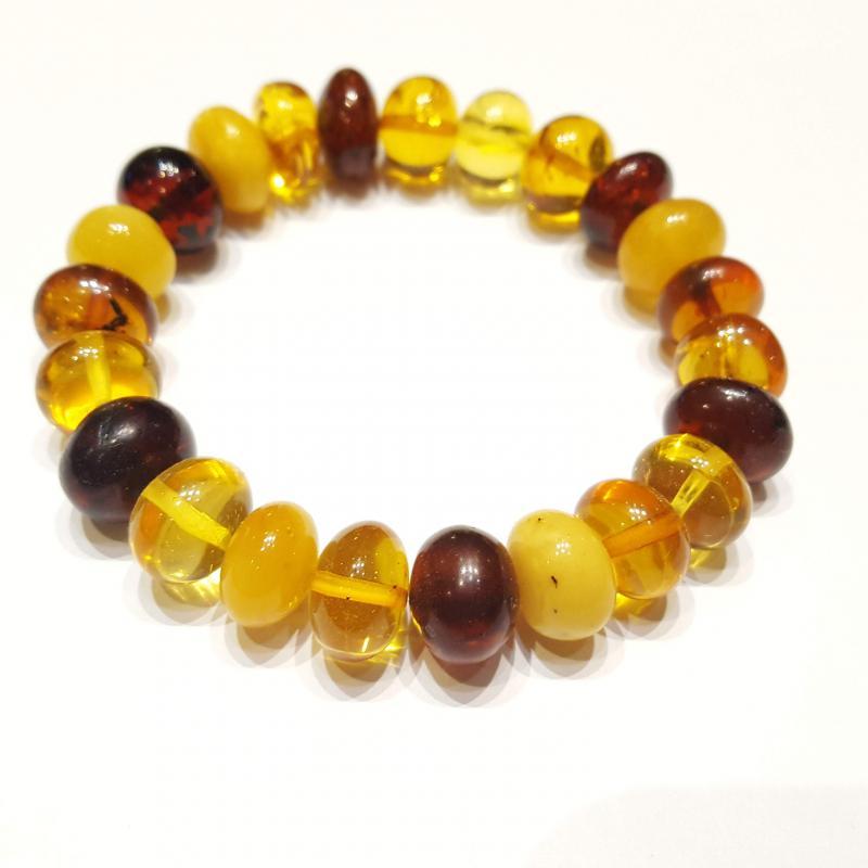 Borostyán karkötő többszínű boroastyán gyöngyökből gumis 574