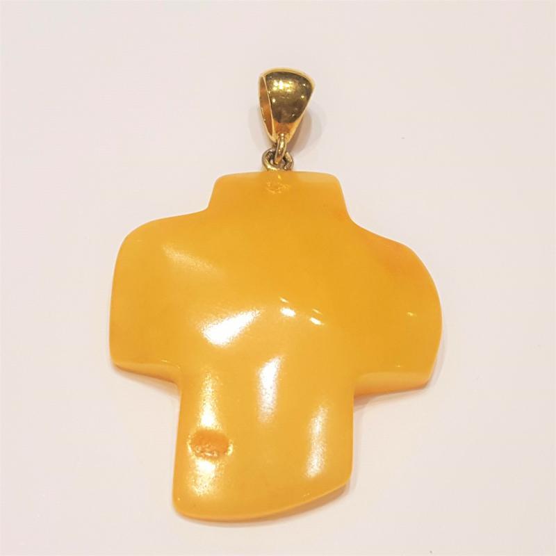 Borostyán medál kereszt sárga opak  aranyozott ezüst karikával 1366