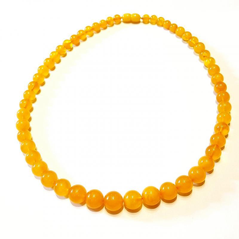Borostyán nyakék gyöngysor sárga opak teljesen szabályos gömb alakú gyöngyökből 471