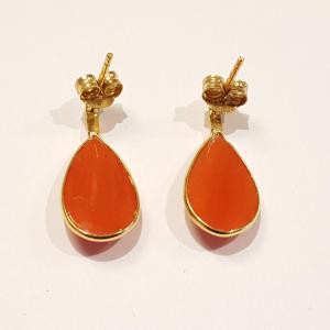 Vörös nemeskorall fülbevaló stift 18 karátos arany 840