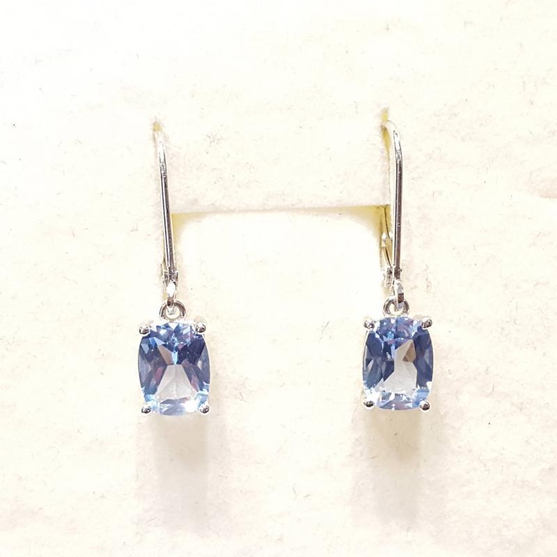 Ródiumozott ezüst fülbevaló kék topázzal lógós 807