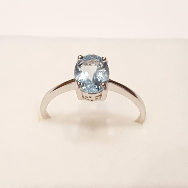 Ródiumozott ezüst gyűrű kék topázzal 225